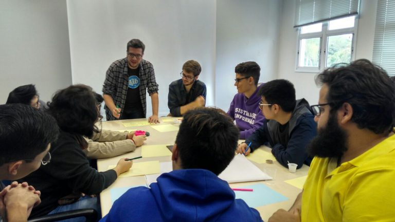 Design Thinking – Workshop da Habits auxilia o grupo PET no desenvolvimento do projeto GRACE