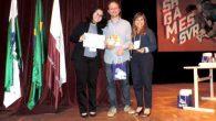 Ex-petiana Amanda Funabashi recebendo o reconhecimento como o melhor artigo na categoria Aplicações  A pesquisa desenvolvida sob apoio do Programa de Educação Tutorial do MEC, no âmbito do grupo […]