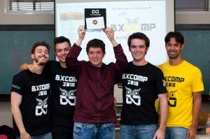 Em primeiro lugar: Equipe NullpointerException!